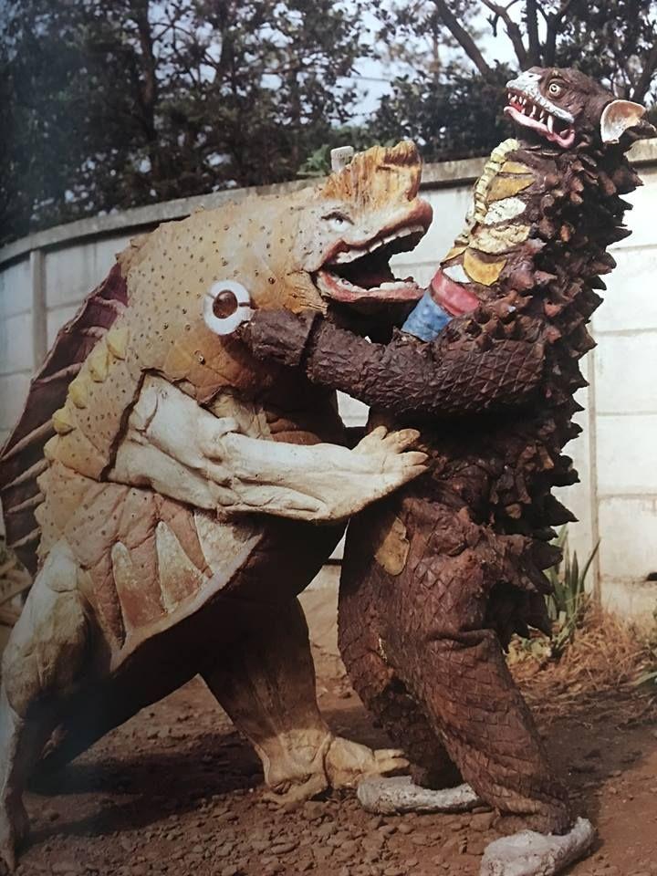 Gyango vs Gavadon - behind the scenes at Tsuburaya Studios back in the 60's during the filming of the original ULTRAMAN