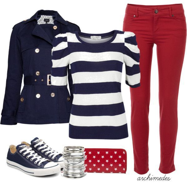 Adorable July 4th outfit. (This outfit's a bit warm for summer, though...maybe if you lived in northernmost Alaska?)