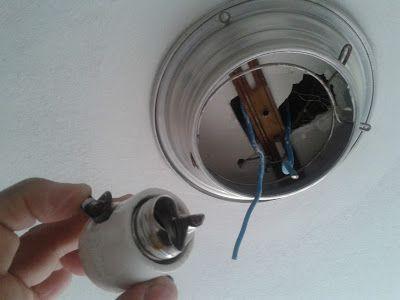 Dicas do Gilson Eletricista: A lâmpada queimou e ao trocar a rosca ficou no boc...