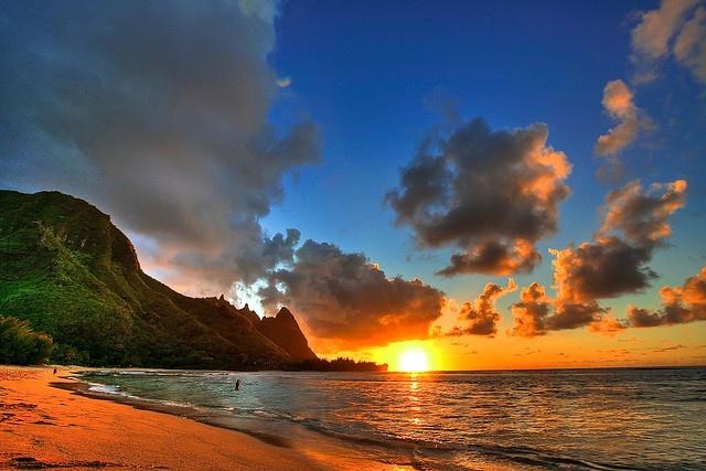 KauaiBuckets Lists, Sunsets Beach, Hawaii Beach, Beach Sunsets, Kauaihawaii, Beautiful Places, Sunris, Kauai Hawaii, Hawaiian Islands