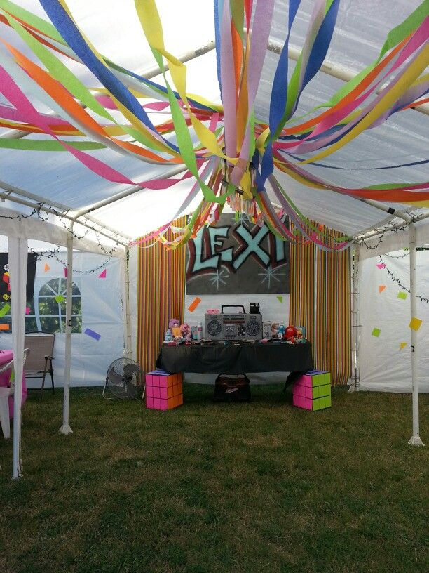 25 best ideas about 1980s party decorations on pinterest for 80s prom decoration ideas