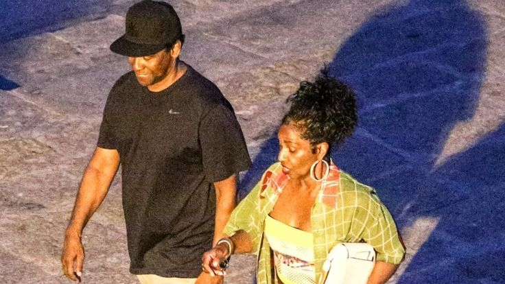 Denzel Washington and Wife Pauletta Enjoy Romantic Date Night in Italy - See the Pic!