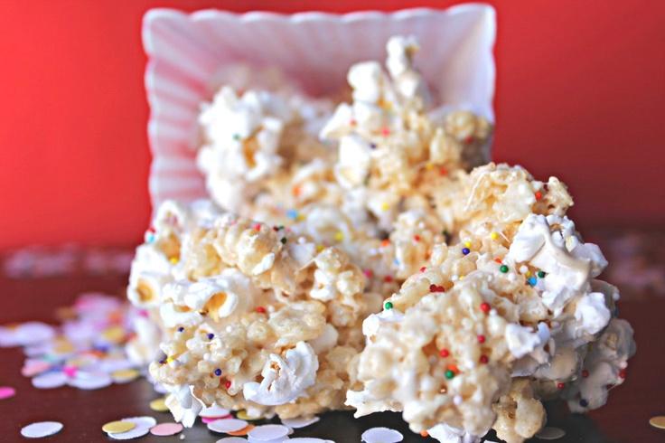 Rice Krispie Treat Popcorn: Chex Treats, Sweet Treats, Recipes, Treat Popcorn, Rice Crispy Treats, Krispy Treats, Rice Krispie Treats, Popcorn Treats