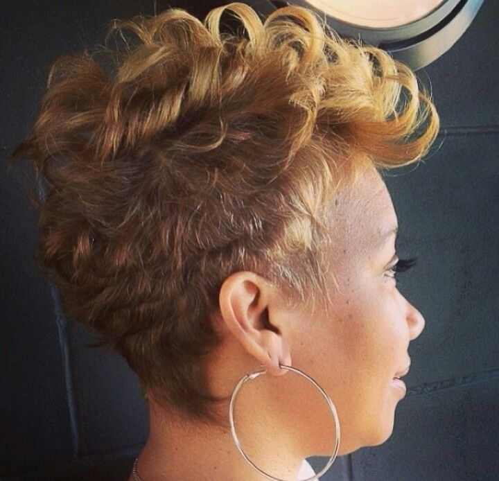 Beautiful Pixie Haircut for Black Women I just love this. The color, cut it all come together beautifully