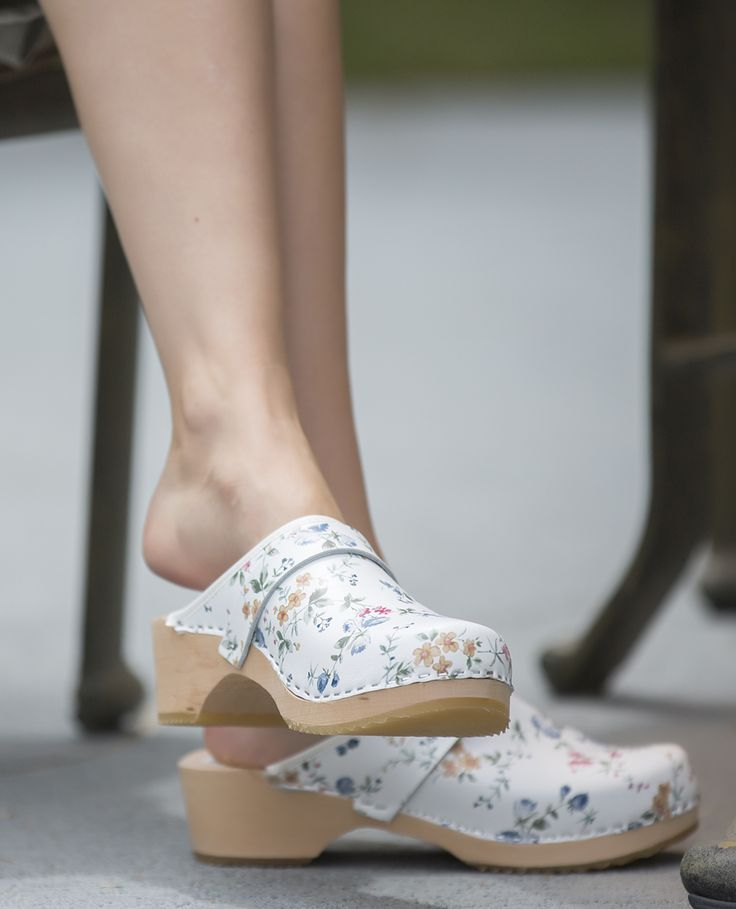 Slight clog dangling. Source: Clogs Love