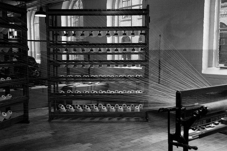 Ketting scheren in de Wollendekenfabriek in het TextielMuseum. Fotograaf: Berry3489
