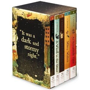 A Wrinkle In Time (series). Vaguely remember loving this, need to read it again!Madeleine Lengle, Worth Reading, The Doors, Book Worth, Favorite Book, Reading Lists, Book Series, Time Quintet, Madeleine L Engle