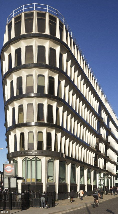 30 Cannon Street in London is one of the tallest buildings to be listed