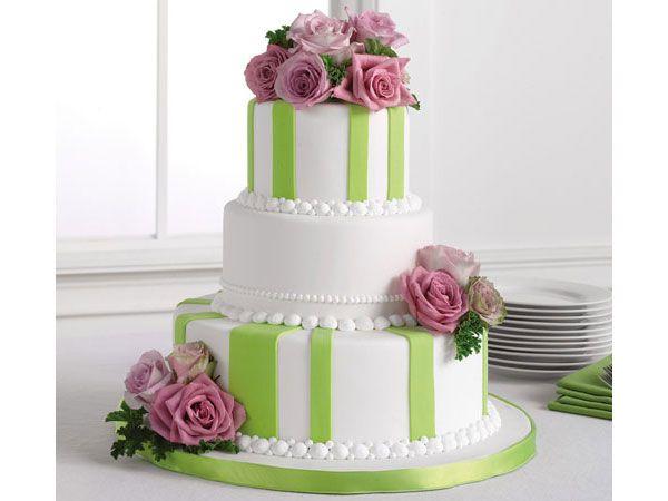 Pastel de boda moderno en fondant color verde