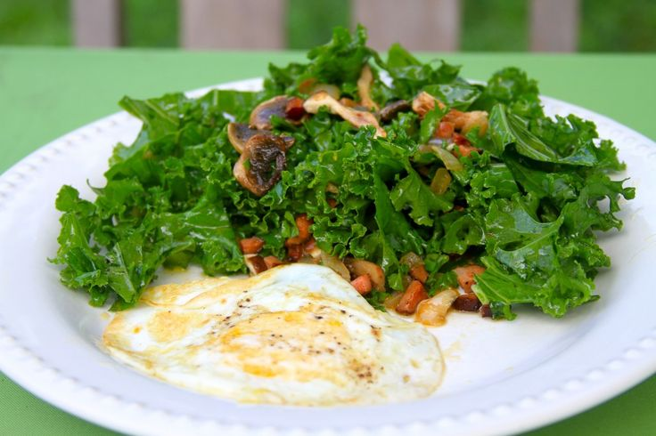 Kale Salad with Warm Andouille Sausage Dressing: Andouil Sausages, Lunches Recipes, Kale Andouil, Paleo Breakfast, Paleo Kale, Kale Salad, Andouil Salad, Breakfast Recipes, Paleo Recipes