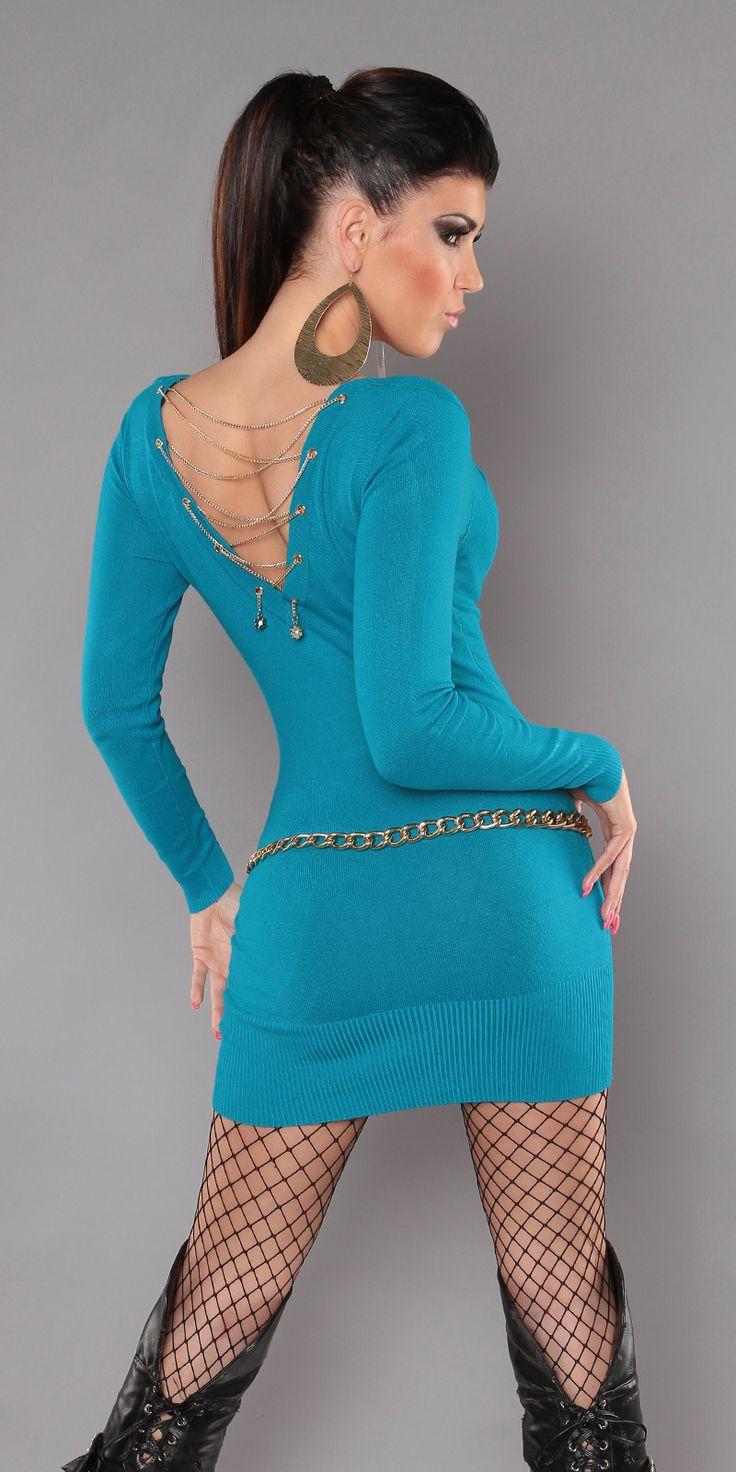 Модель 0000ISF0606, платье-свитер с глубоким V-образным вырезом и вырезом на спине, украшенным цепочками. Небольшая сборка спереди обеспечивает идеальную посадку для любой фигуры. Цвет: бирюзовый. Размер: 42-46 (один размер)