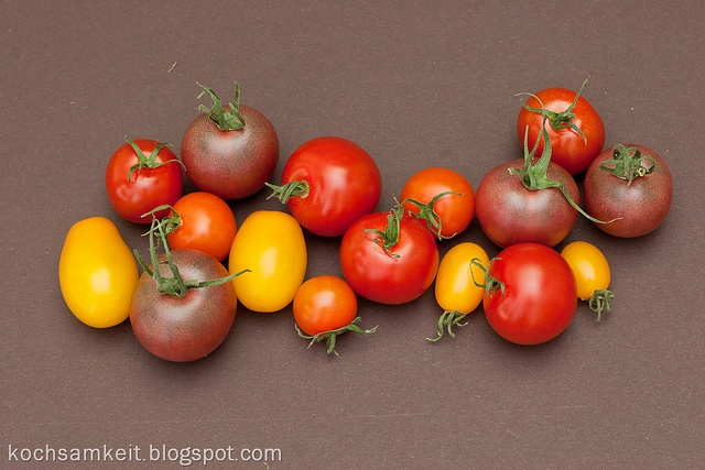 bunte Kirschtomaten by Kochsamkeit, via Flickr