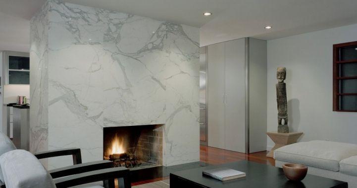 Облицовка камина мрамором Calacatta. Contemporary marble fireplace. http://www.jet-stone.ru/izdelija/zakazat-kaminy-iz-mramora-mramornye-kaminy-na-zakaz