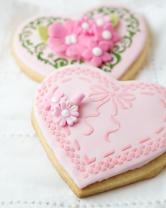 beautifully designed heart cookies...