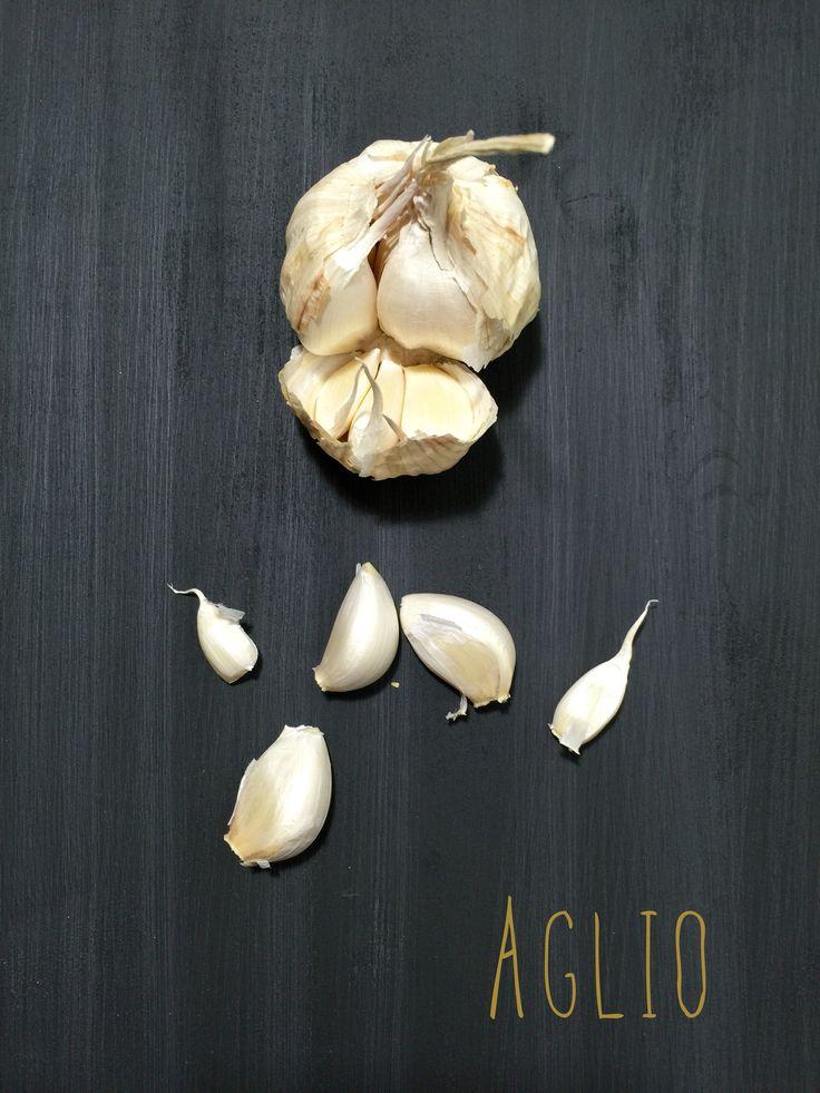 Garlic in black