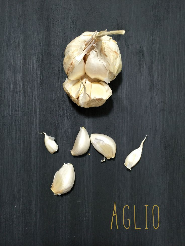 Garlic in black