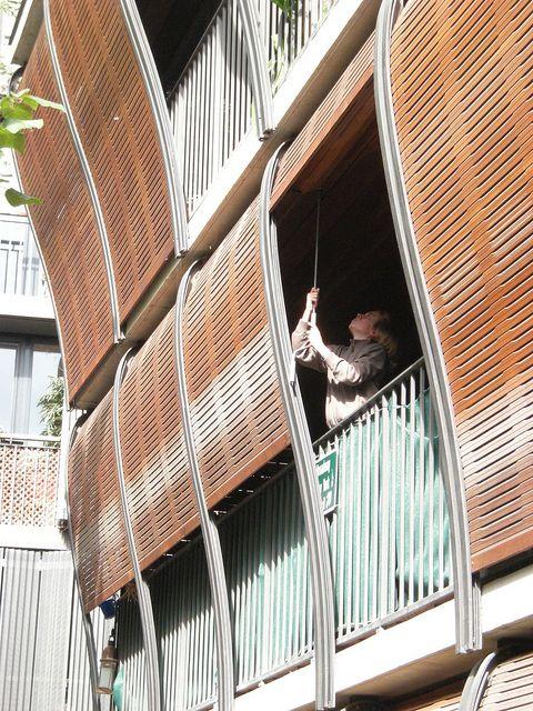 Herzog & de Meuron - 17/19, rue des Suisses. Social housing. Paris, France.