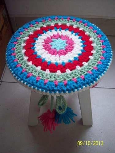 Banco Banquito Red. Con Funda A Crochet, De 20cm De Alto