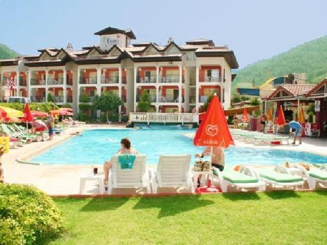 #ClubEkinciPalace is an affordable  Family hotel.Located in Icmeler,Dalaman Area ,Turkey.Includes facilities like Swimming pools,Play station and water sports etc. #DalamanHolidays