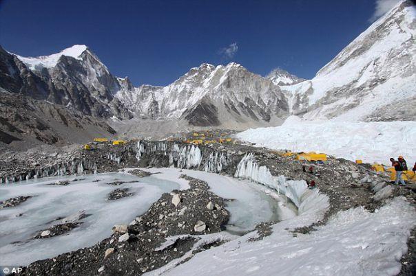 Cutremurul din Nepal. Cum arată muntele Everest după seism