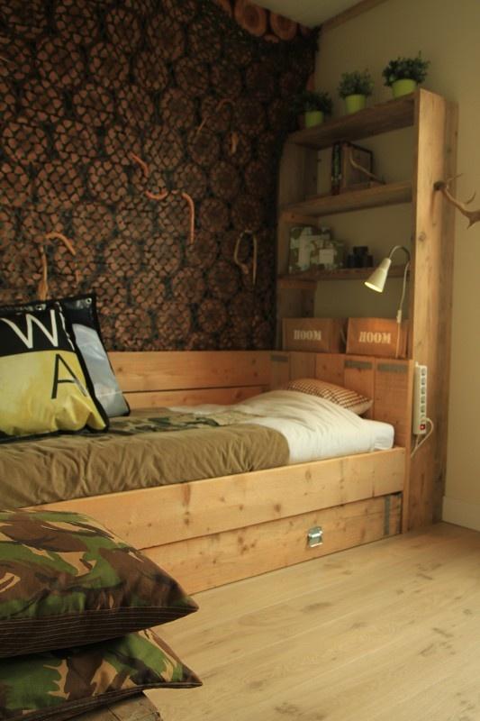 Steigerhouten bedbank `Thijmen` | Steigerhouten bedden | Improve your home
