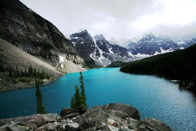 One of the lakes on the Icefield Parkway