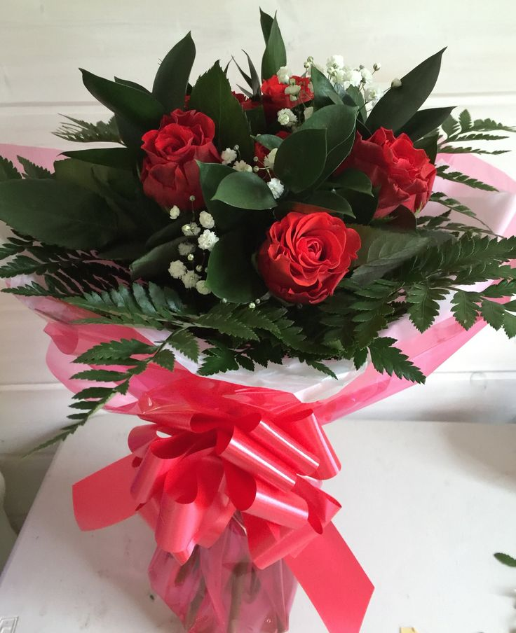 Local Camberley Florist , Same day Flower delivery in Camberly Surrey, Florist in Deepcut Surrey,Frimley Surrey,Wedding flowers and Sympathy flowers