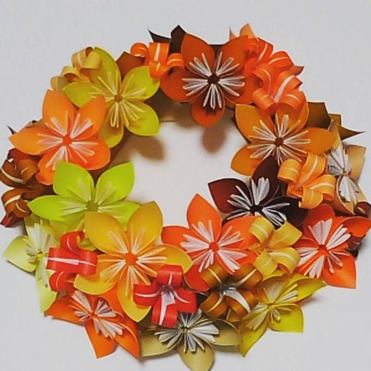 凄い頑張って作ったお花のリース…だけど、どうやったら皆さんみたいに綺麗に完成するのかまるで分からない(泣) #折り紙 #おりがみ #花 #リース