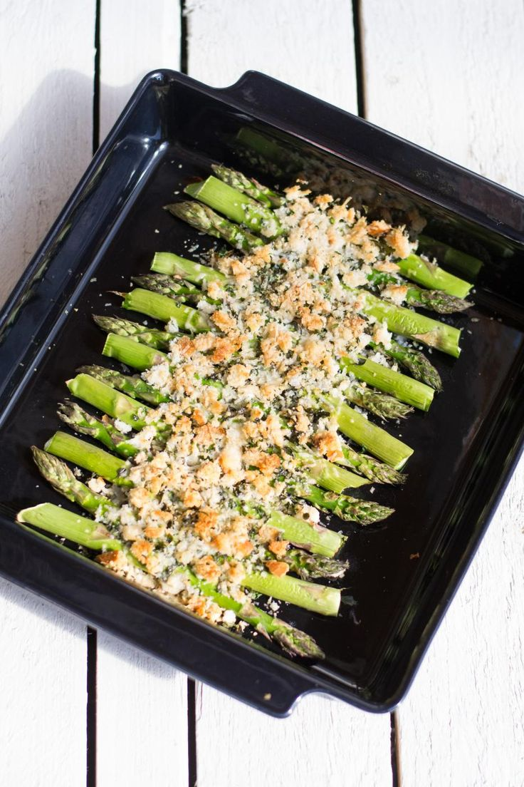 roasted asparagus with parmesan and breadcrumbs