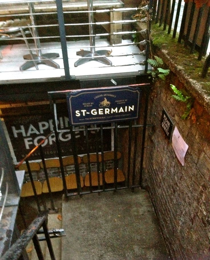 Happiness Forgets, London. Secret basement bar. Plots by candlelight.