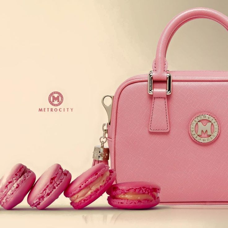A pink summer bag perfect for a sweet and vibrant look  #metrocity #metrocityworld #pink #macarons #minibag #bag #fashion #style #ootd #dailylook