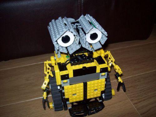 Lego Mindstorms RCX Wall.E: A LEGO® creation by Michael Hodson : MOCpages.com