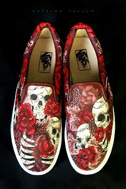 #Shoes These are so cool! VANS Shoe Art -Momo #skor