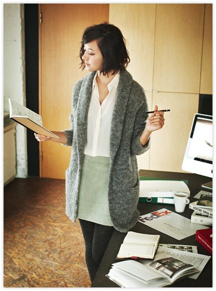 I love the comfy warm look of this outfit. Winter teaching outfit, maybe a longer skirt.