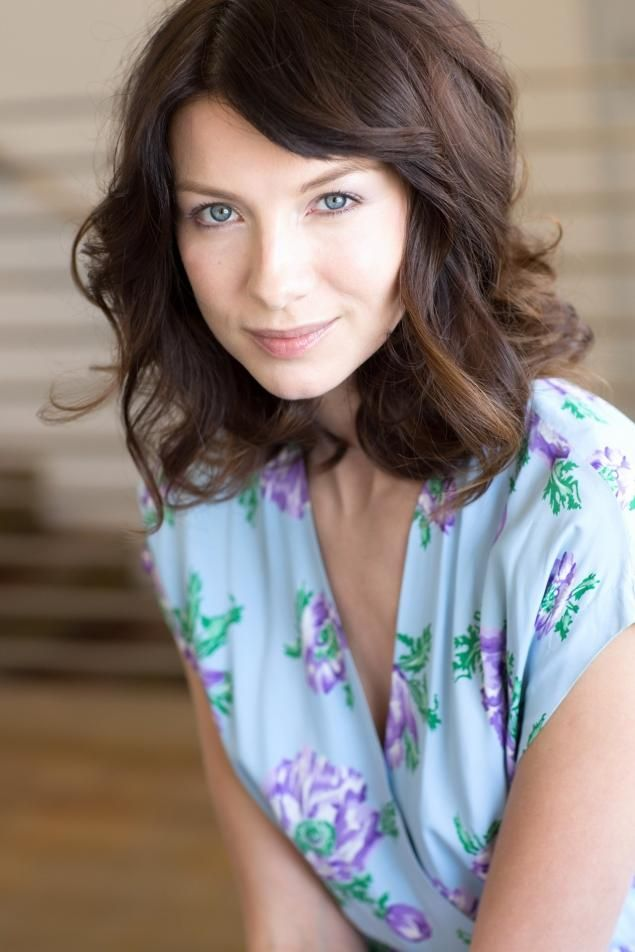 "Actress Caitriona Balfe is cast as Claire in StarZ ""Outlander"" series, from Diana Gabaldon's book!!!"