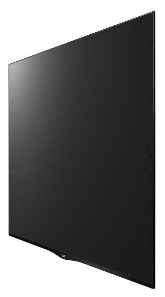 Ikke alle synes en buet skjerm er noe for dem, noe LG har innsett. Fjorårets kurvede OLED-modell får derfor selskap av en flat modell, 55EA880W.