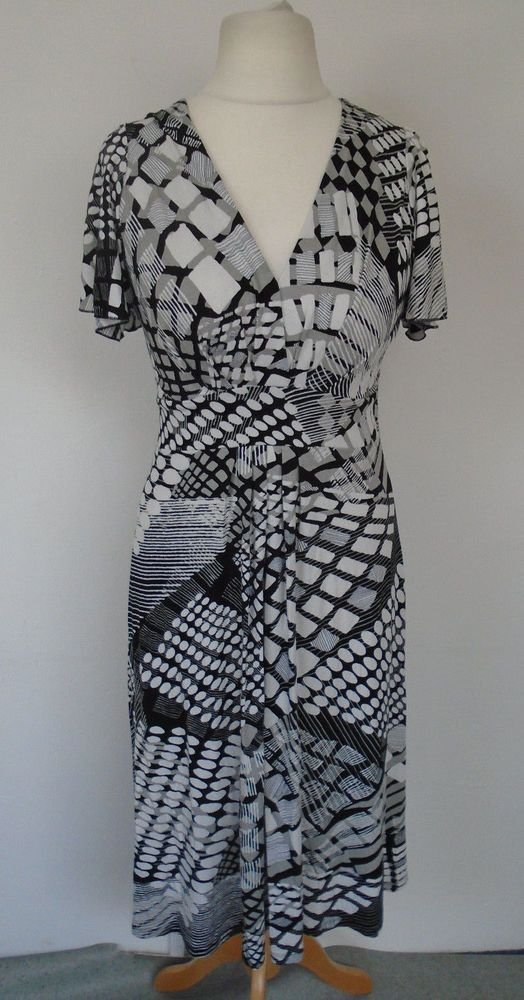 8464d88673b M S Smart Dress Size 12 14 Black   White Geometric Print Jersey Dress   fashion
