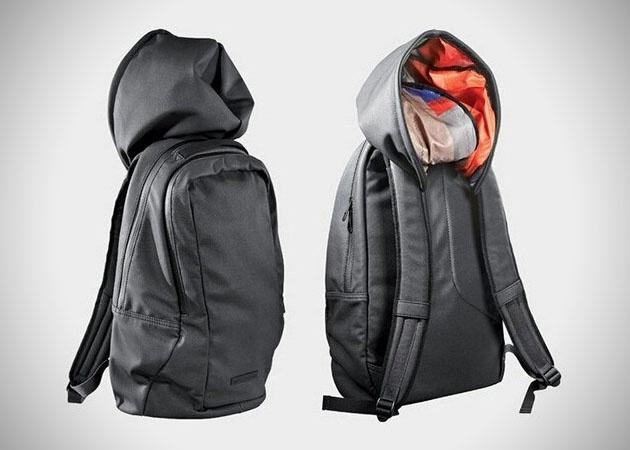 Puma'dan şapkalı çanta tasarımı