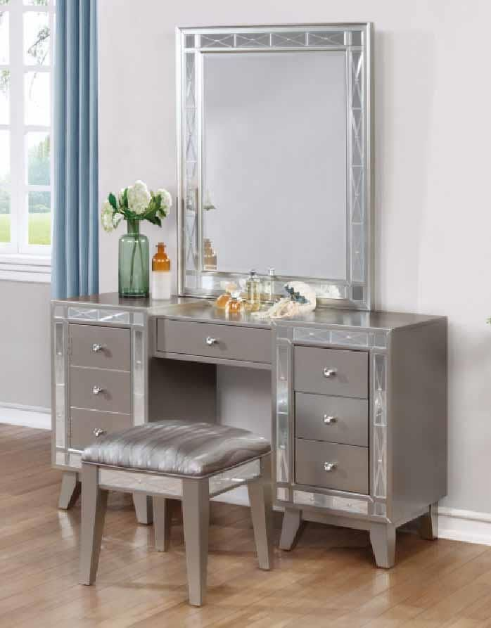 Our Exclusive Design Of A Transitonal Attractive Style Bedroom Upgraded Metallic Finish That Resembles Spar Furniture Vanity Vanity Set Coaster Fine Furniture