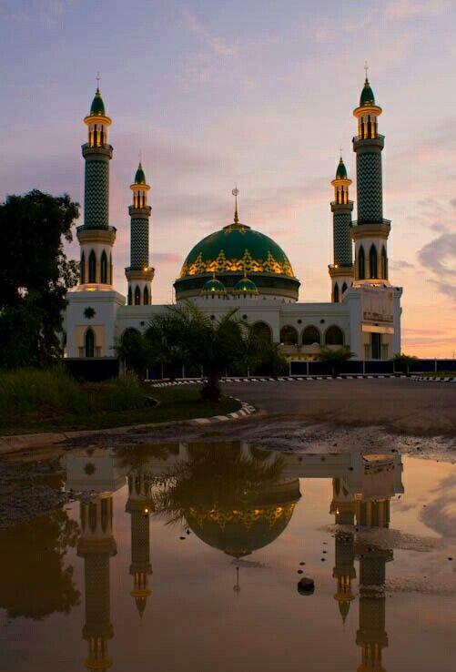 Masjid Agung Bukit Pelangi Sangatta, Kutai Timur, Kalimantan Timur