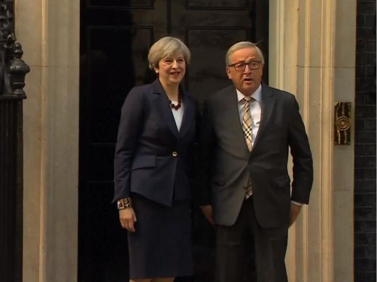 Pataleta de Theresa May para abrir la campaña electoral