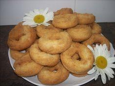 Esta receta de rosquillas era elaborada por las monjas Clarisas de Portugalete para obsequiar a sus familiares y amigos. Yo, recogí la receta de una recopilación de gastronomía de los monasterios d…