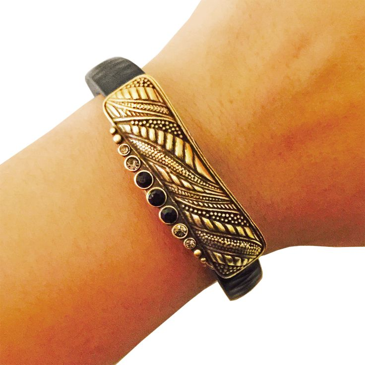 Charm to Accessorize the Vivosmart, Fitbit Flex, Xiaomi Mi and Jawbone Up - The ALANA Vintage Looking Rhinestone Charm in Gold to Dress Up Your Favorite Fitness Tracker by Funktional Wearables.