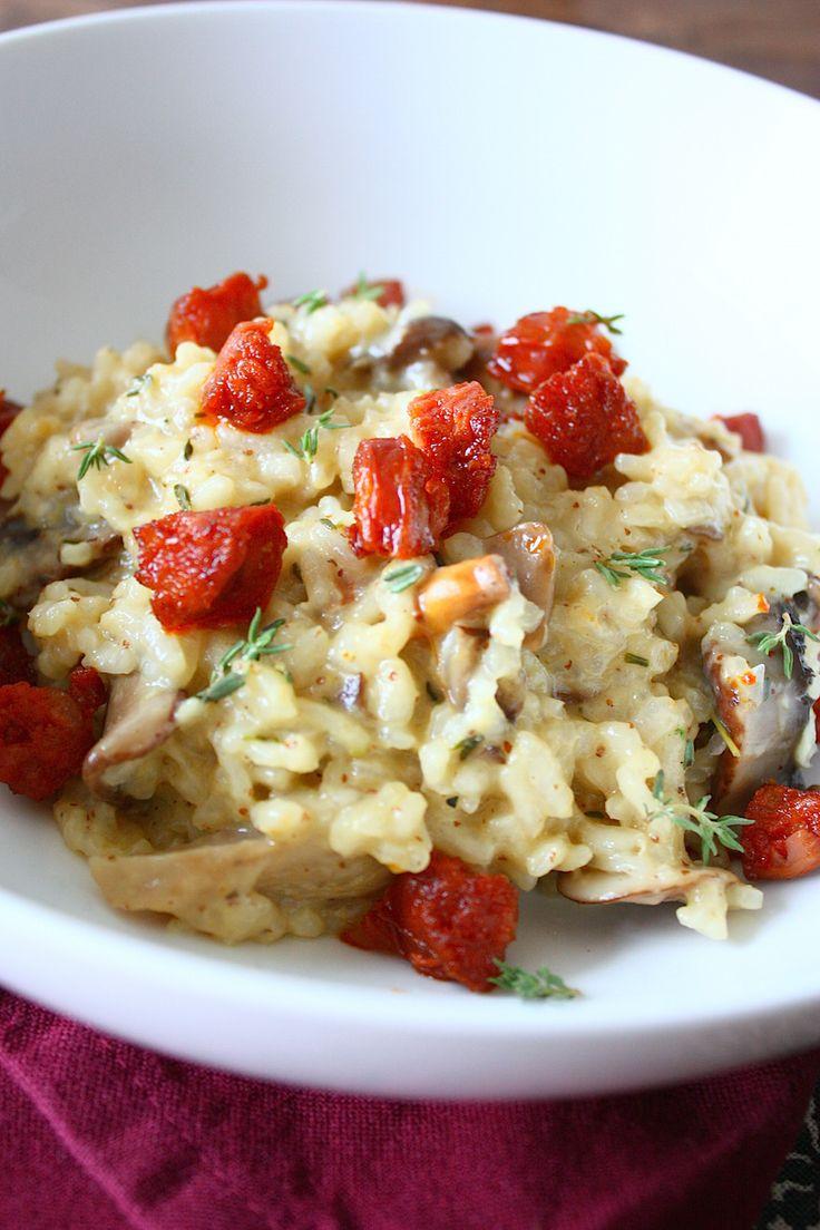 Risotto met mosterd, paddenstoelen, tijm en chorizo. Chorizo evt weglaten en vervangen door omelet.