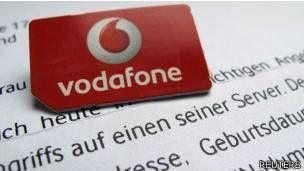 Las grandes compañías de la telefonía móvil,  incluidos fabricantes clave como Apple y Samsung,  están negociando la creación de una tarjeta SIM electrónica y universal que podría