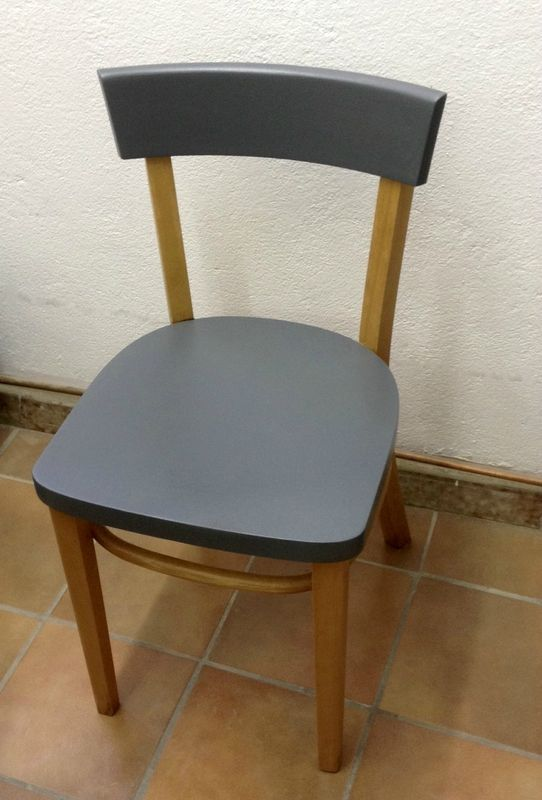 Chaise bistrot bois et anthracite