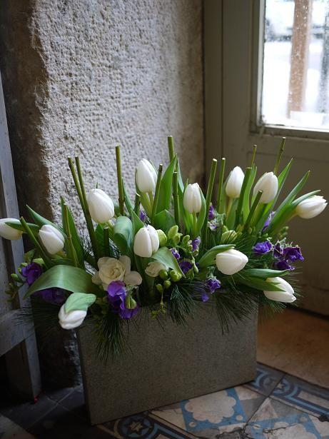 Wafuka - freesia, sweet peas and tulips | Akiko Usami