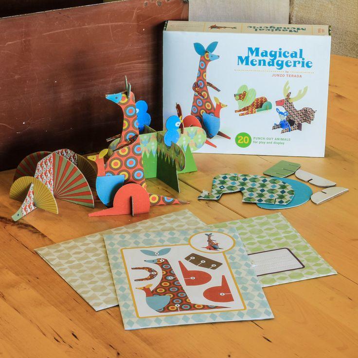 También es del diseñador Junzo Terada esta caja de figuras animales montables @terada_junzo @Barbara Fiore http://www.veniracuento.com/