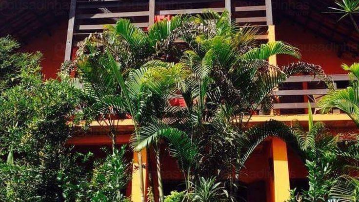A Pousada La Dolce Vita está situada em Nova Lima - MG - no distrito de Macacos. A pousada possui piscina, jardim, salão de festas, estacionamento privativo e WiFi.