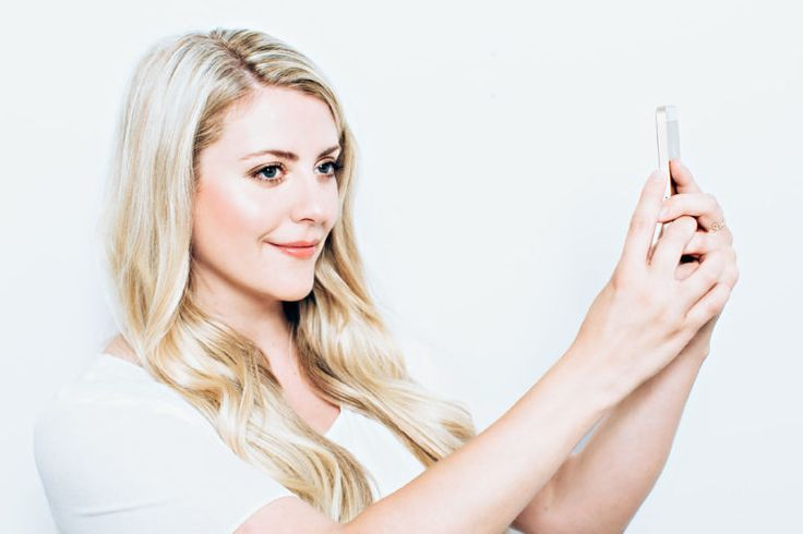 How To Do Your Hair and Makeup for the Perfect Profile Picture - FASHION…